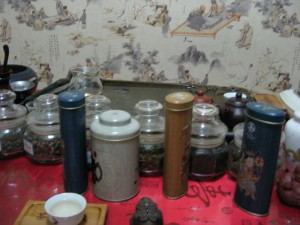 300-Yuan Shot of Tea Jars